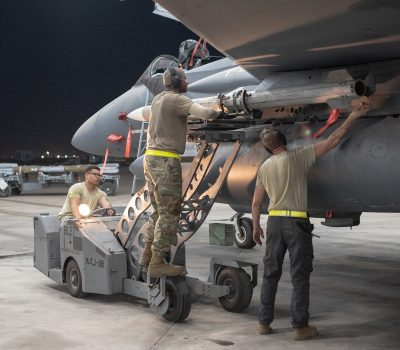 Weapons load crew arms F-15E Strike Eagle