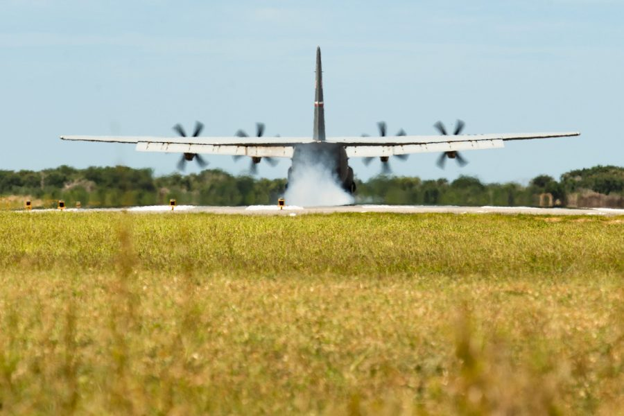 75th EAS delivers cargo to 475th EABS