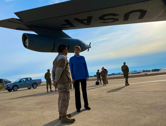 Barrett Speaks with Airman at Incirlik