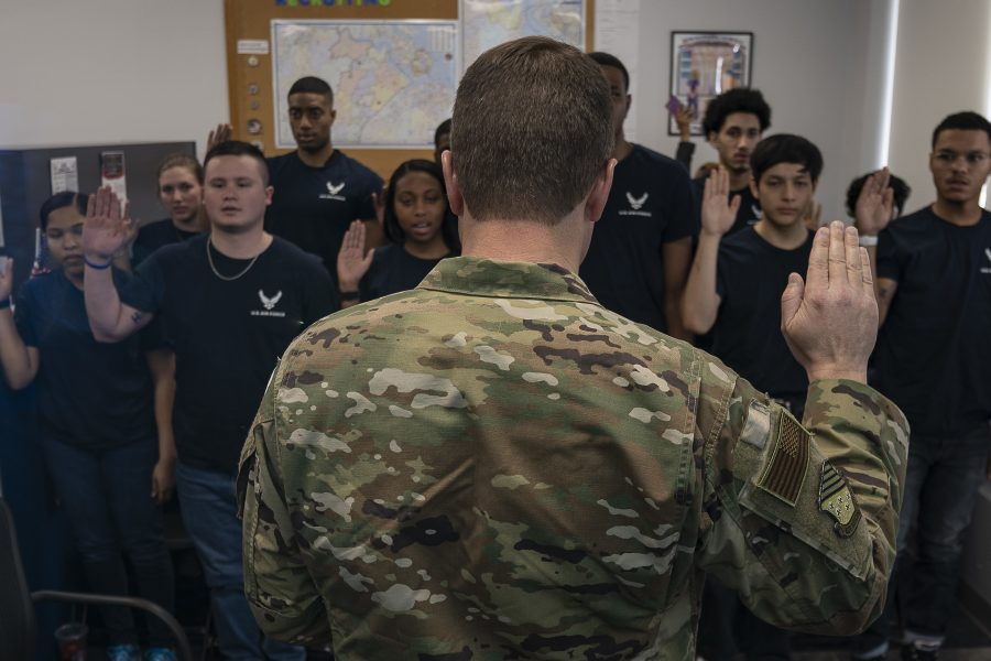 1st Fighter Wing leadership visits recruiting station