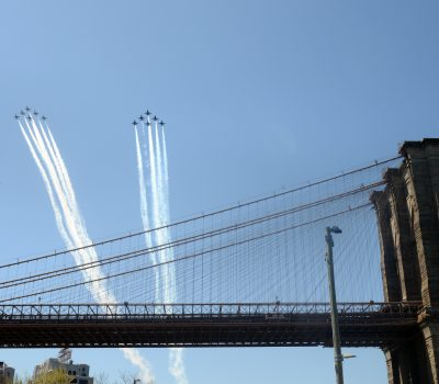 Flyover Brooklyn Bridge