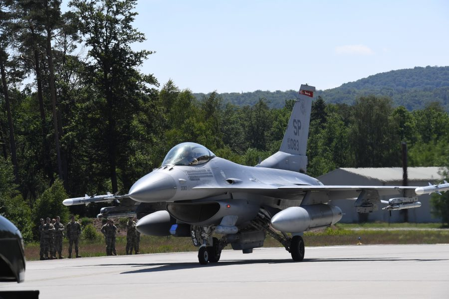 52nd FW participates in 'hot-pit refueling' ACE exercise