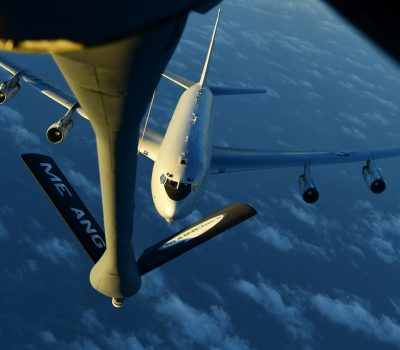 28th EARS refuels E-8 Joint STARS