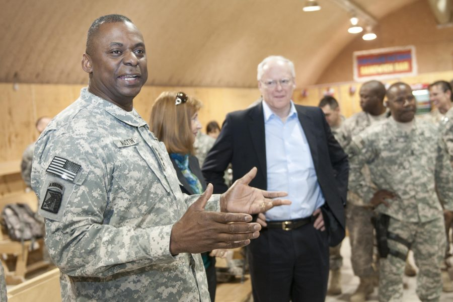 Gen. Lloyd J. Austin III visits soldiers for the holiday