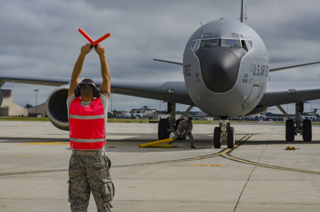 Crew chiefs Recover KC135