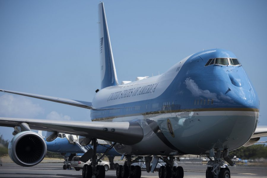 Air Force One refuels